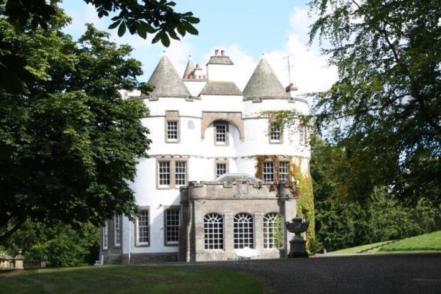Castle Kinpurnie 1