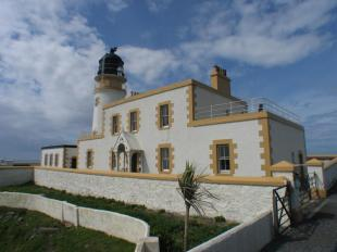 Killantringan Lighthouses Robb EA MAIN