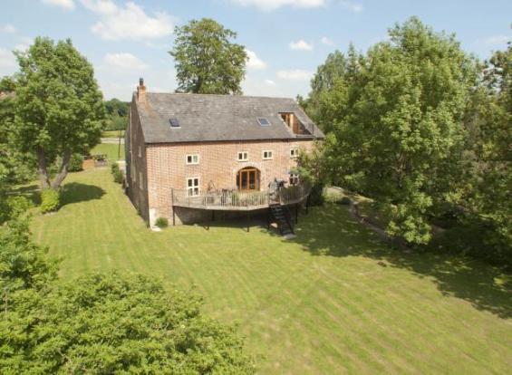 Mill Llansantffraid 1