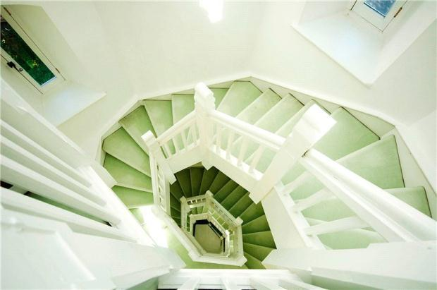 Tower Ruxley 9 Stairs