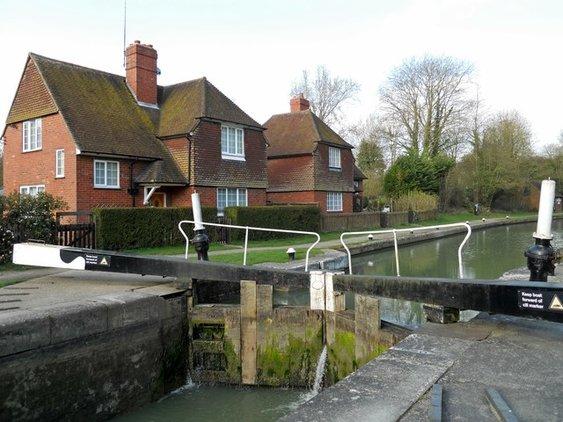 1 Top Lock Cottage, Stockton, Southam, Warwickshire, CV47 8LH Ian Rob