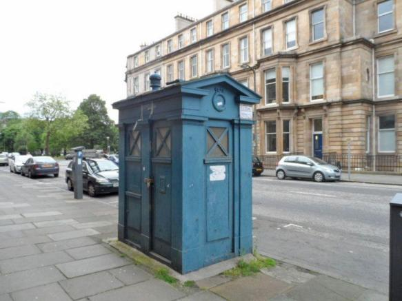 BEFORE DR WHO STYLE REGENERATION - 999 Coffee Box (former Police Box), Drumsheugh Gardens, Edinburgh, EH3 7RN