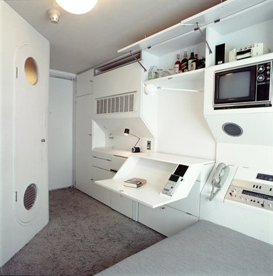 Nakagin Capsule Tower Photo Int2 Tomio Ohashi courtesy of Kisho Kurokawa Architect & Associates