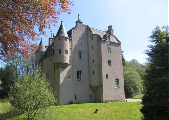 AAA Lickleyhead Castle