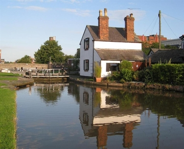 AAA Lock Keeper's Cottage, 66 Hoole Lane, Chester, Cheshire, CH2 3DX