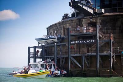 AAA Spitbank Fort Landing 1