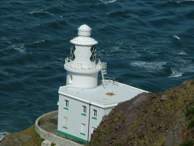 Hartland Point Lighthouse Tower & House - Photo Nicholas Mutton